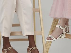 Sandale nu pied
